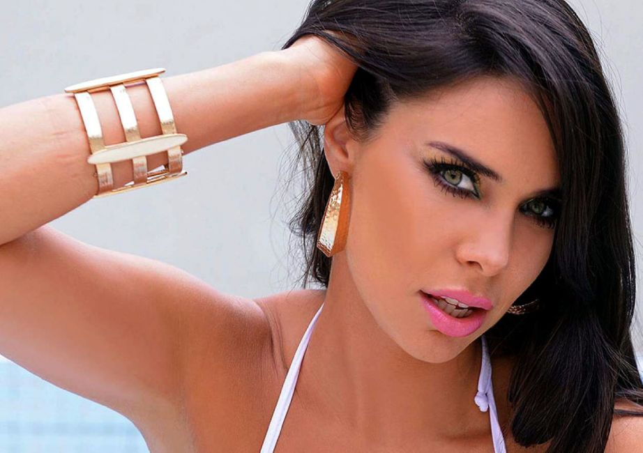 Sabrina Ravelli es Sabrina Love en Hombre de Julio