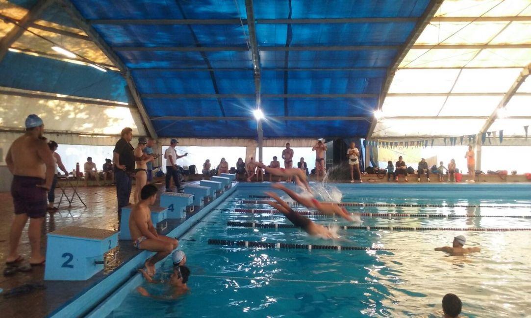 Seleccionan 46 guardavidas para los natatorios