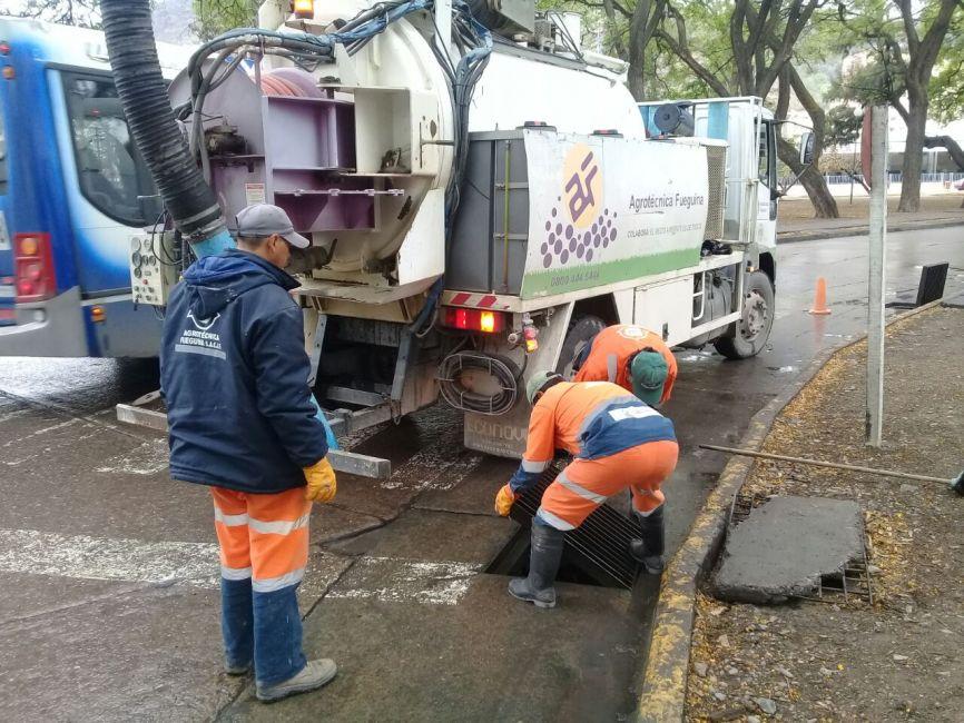 Se intensifica la limpieza de canales, imbornales y espacios verdes de la ciudad