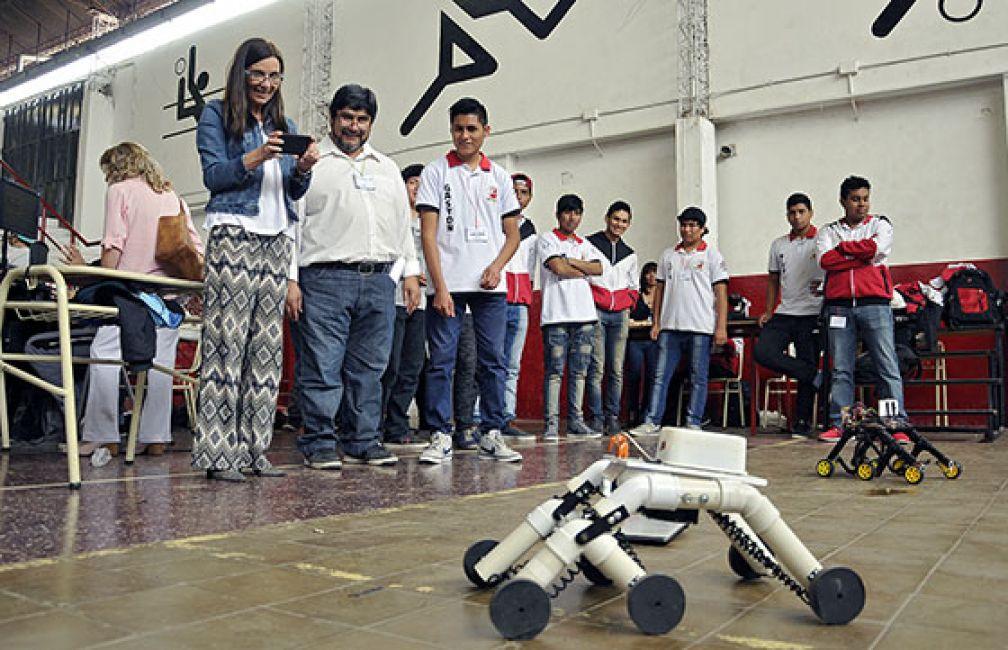 Estudiantes participaron en el Encuentro Provincial de Robótica