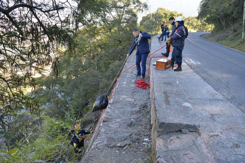 Se retiraron 200 bolsas de residuos del Cerro San Bernardo
