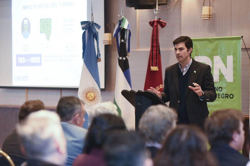 En Bariloche Urtubey brindó una charla sobre el turismo de Salta