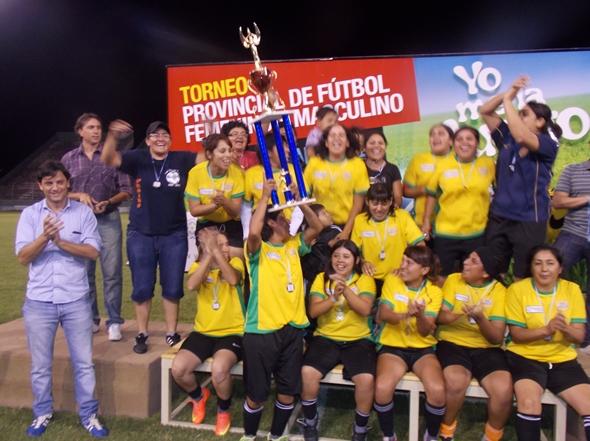 Las chicas del barrio 20 de Febrero de Salta capital festejaron el primer puesto.