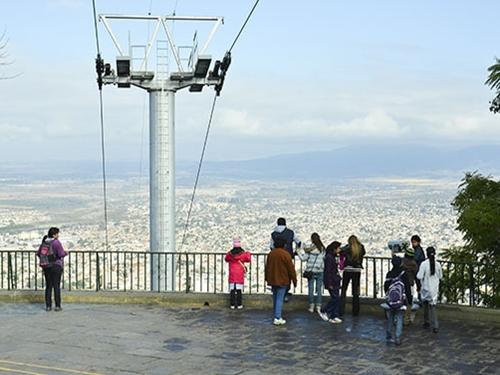 El domingo habrá un espectáculo infantil en el cerro San Bernardo.