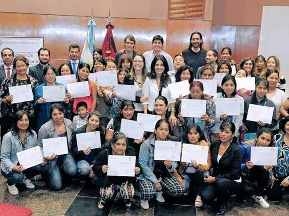 Se entregaron certificados a las titulares del programa Juana Azurduy.