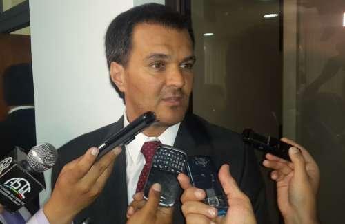 """""""Romero quiere perpetuarse en el poder"""""""