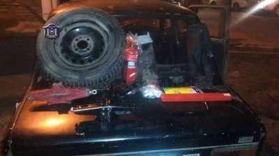Desbaratan una banda que robaba ruedas de vehículos.