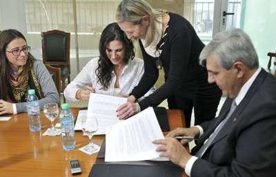 El Ministerio de Justicia firmó un convenio para la gestión constructiva de conflictos y mediación.