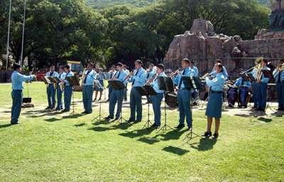 La Banda de Música del Servicio Penitenciario brindará un concierto de frente al Cabildo.