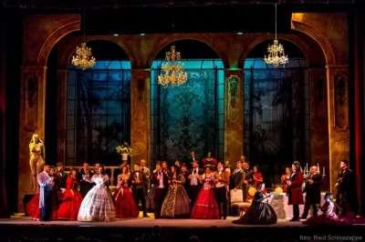 Llega La Traviata en agosto.