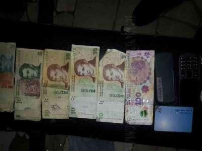 Motoristas recuperan dinero y pertenecías sustraídas.