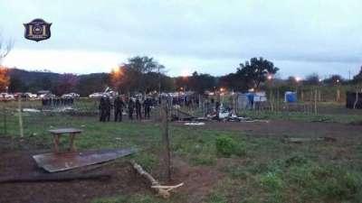 La Policía despejó un terreno que había sido usurpado.
