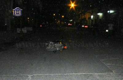 Peatón falleció tras embestido por un motociclista.