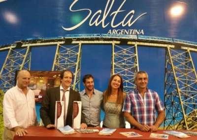 Salta promociona su oferta turística y productiva en la Expo Cruz Bolivia.