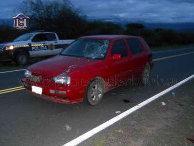 Motociclista en grave estado tras colisionar con un automovil.