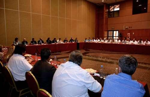 La Provincia inició las negociaciones salariales de 2016