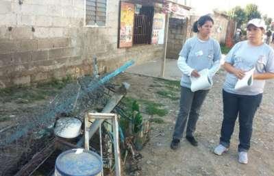 Acciones conjuntas de descacharrado en el barrio Balneario de Capital.