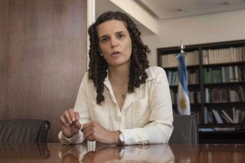Luz Verde para Cristina Fiore:rumbo a la Presidencia del PRS