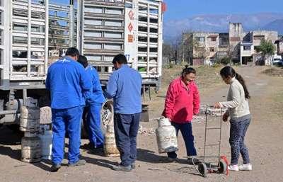 Continúa la venta de la Garrafa Social en barrios capitalinos