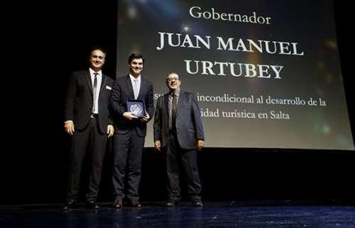 Urtubey recibió una distinción nacional por su apoyo al desarrollo turístico