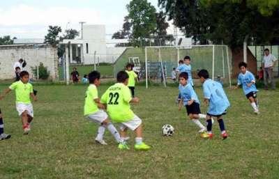 Comienzan las escuelas gratuitas de fútbol de verano