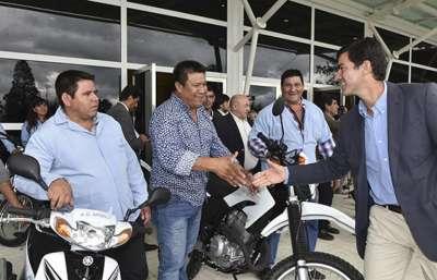 Entrega de movilidad a agentes sanitarios de toda la provincia