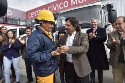 """Sáenz: """"30 años que no se invertía en un camión atmosférico"""""""