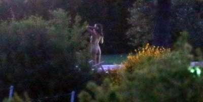 Se filtraron fotos del desnudo hot de Emily Ratajkowski