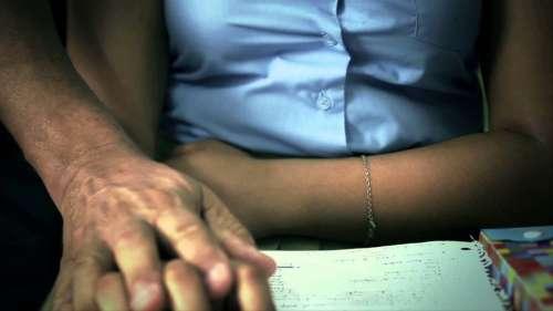Juzgan a un profesor que intimaba con sus alumnas