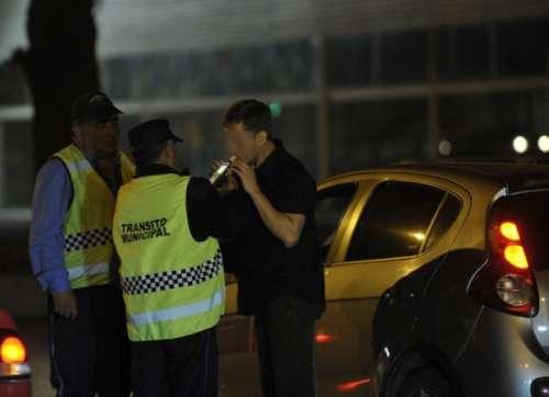 Hasta las manos: se duplican los automovilistas alcoholizados