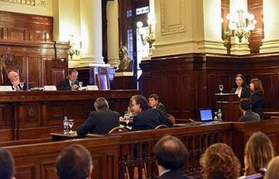 Exposición ante la Corte sobre educación religiosa en escuelas públicas