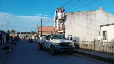 Trabajos del Área de electricidad en el feriado por El Milagro