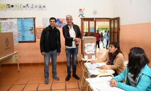 Zottos votó a primera hora en Tartagal acompañado por el gobernador Urtubey