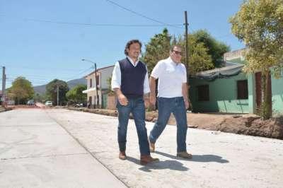 Sáenz verificó el avance de obras en Villa Mónica y barrio Autódromo