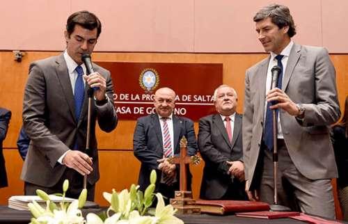 El gobernador Urtubey tomó juramento a los nuevos ministros