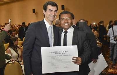 Concejales, convencionales municipales e intendente recibieron sus diplomas