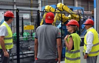 La ministra Bibini visitó la planta embotelladora y distribuidora de Coca Cola