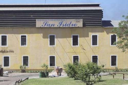 Urtubey suspendió el viaje a Davos por el cierre del ingenio San Isidro