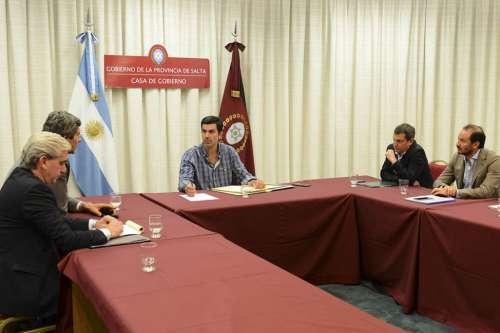 Urtubey encabezó en el Grand Bourg la reunión del Gabinete Económico