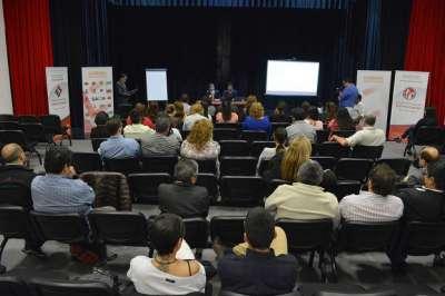 Empleados y funcionarios municipales podrán cursar diplomaturas online