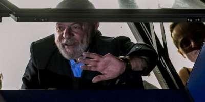 Lula no se entregó y crece la tensión por su inminente detención