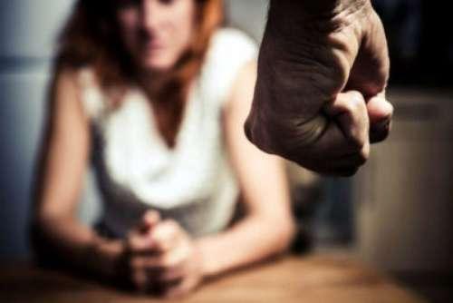 Deplorable: volvió a la casa en curda y se la agarro contra su mujer