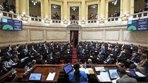El senado analiza la ley Antitarifazo