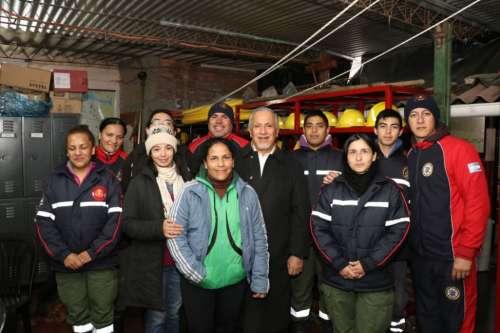 Romero visitó el cuartel de bomberos voluntarios
